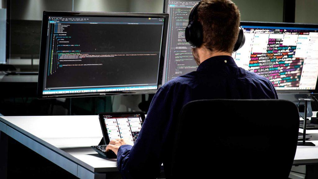 servicios informaticos girona software